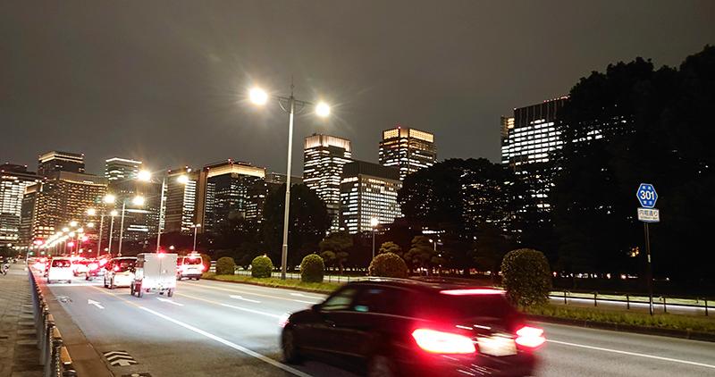 皇居前の内堀通り_2020年10月14日